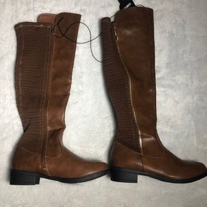 Womens Boots. NEW. Size 9